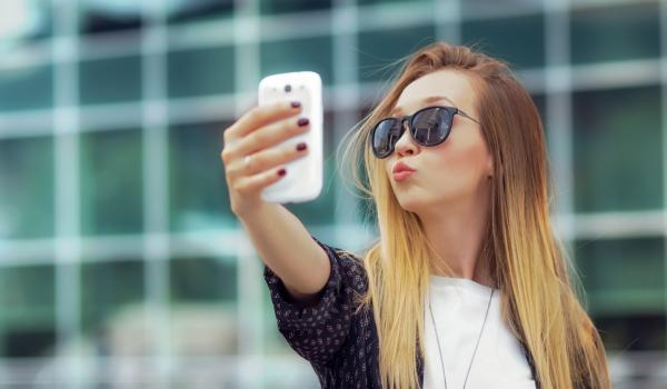 nonsurgical cosmetic treatments to look good in selfies